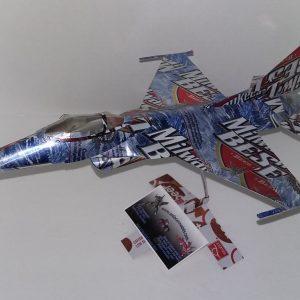 soda can model F-16 Falcon